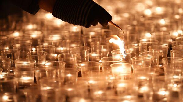 Акция в защиту жизни детей до рождения Сохрани жизнь у храма преп. Сергия Радонежского в Высоко-Петровском монастыре в Москве