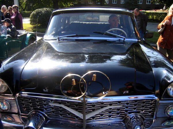 На выставке ретро-автомобилей. Архив