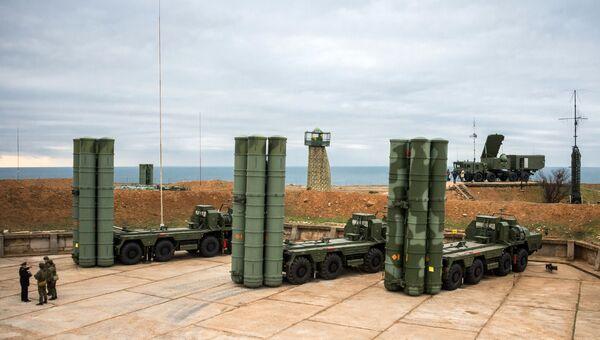 Комплекс ПВО С-400 Триумф заступил на охрану российских воздушных границ в Севастополе. 13 января 2017