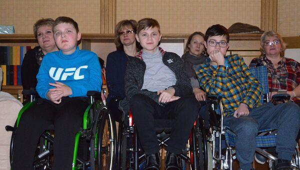 Участники встречи с представителями Кибердружины в санкт-петербургском Детском хосписе