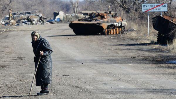 Дорога из Углегорска в Дебальцево. архивное фото
