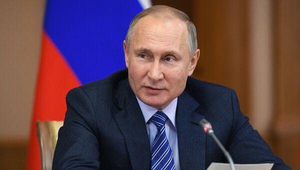 Президент РФ Владимир Путин проводит совещание с организациями оборонно-промышленного комплекса в Башкирии. 24 января 2018