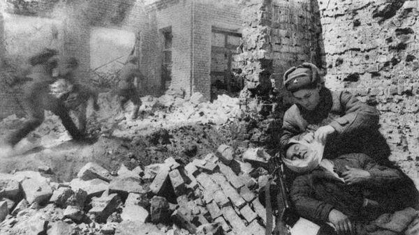 Вещи воина, погибшего в боях за Сталинград, передали его внучке