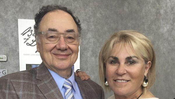 Канадский бизнесмен Барри Шерман и его супруга Хани. Архивное фото