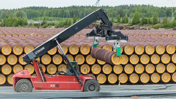 Трубы для строительства газопровода Северный поток - 2 на заводе в Котке, Финляндия