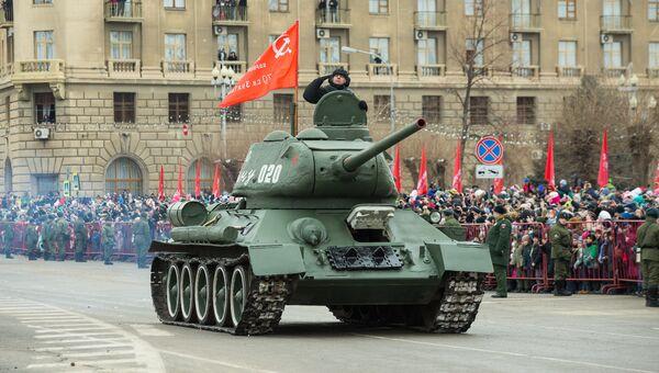 Парад войск в честь Сталинградской Победы в Волгограде