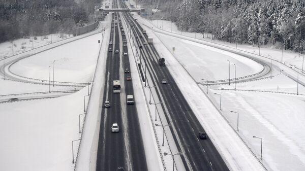 Автомобильное движение на Киевском шоссе