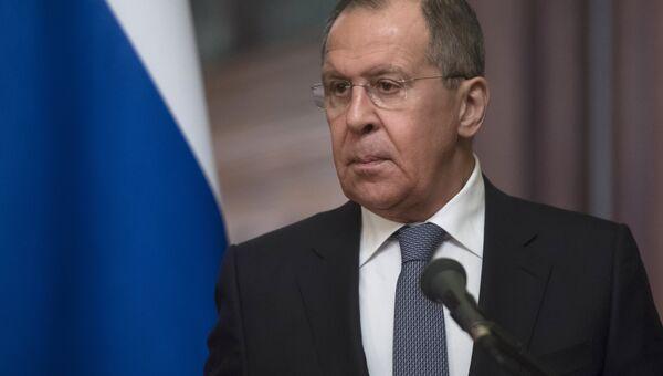 Сергей Лавров во время заявления для прессы по итогам встречи в Москве с министром иностранных дел Дании Андерсом Самуэльсеном. 6 февраля 2018