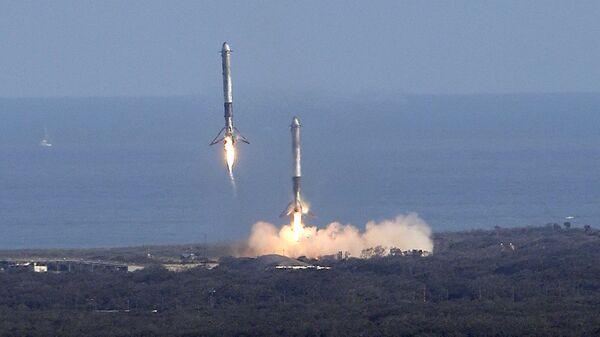 Ракета Falcon 9. 6 февраля 2018 года