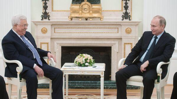 Владимир Путин и президент Палестины Махмуд Аббас во время встречи. 12 февраля 2018