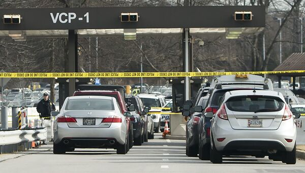 Полицейские заблокировали въезд на территорию штаб-квартиры Агентства национальной безопасности США после стрельбы. 14 февраля 2018