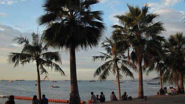 Туристы на набережной Паттайи