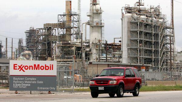 Нефтеперерабатывающий завод Exxon Mobil, штат Техас