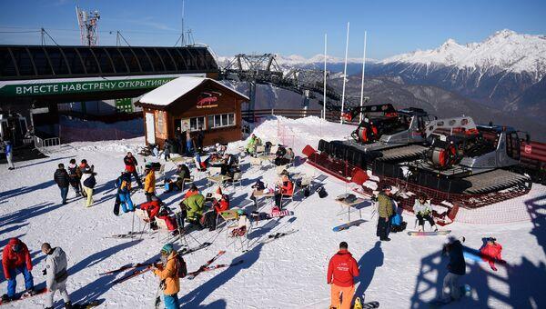 Открытие горнолыжного сезона на курорте в Сочи. Архивное фото.