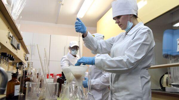 Сотрудники лаборатории контроля качества