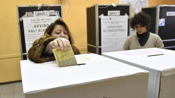 На избирательном участке в центре Рима, Италия