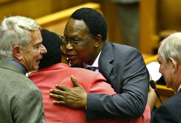 Парламент ЮАР в четверг избрал президентом страны Халему Мотланте