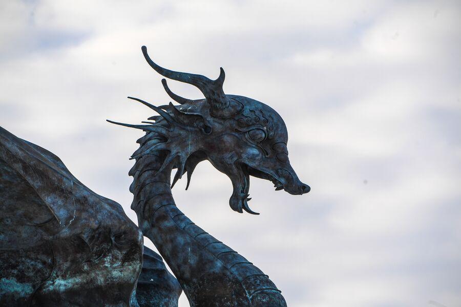 Статуя Зиланта в Казани
