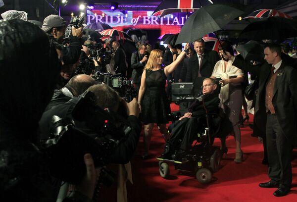 Британский физик-теоретик Cтивен Хокинг на церемонии вручения премии Гордость Британии