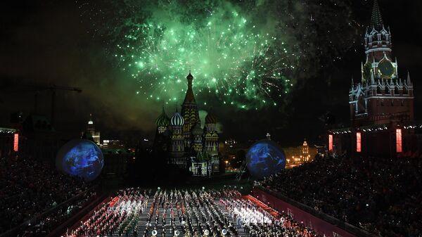 Церемония открытия  Международного военно-музыкального фестиваля Спасская башня в Москве. Архивное фото