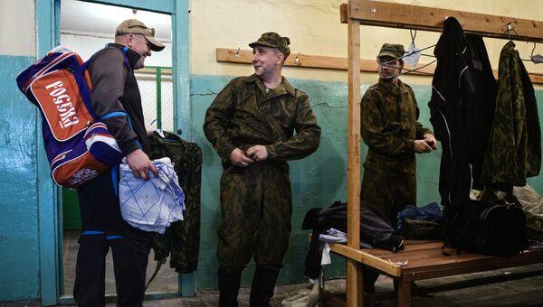 Военнослужащие запаса, призванные для прохождения военных сборов в Новосибирске. Архивное фото