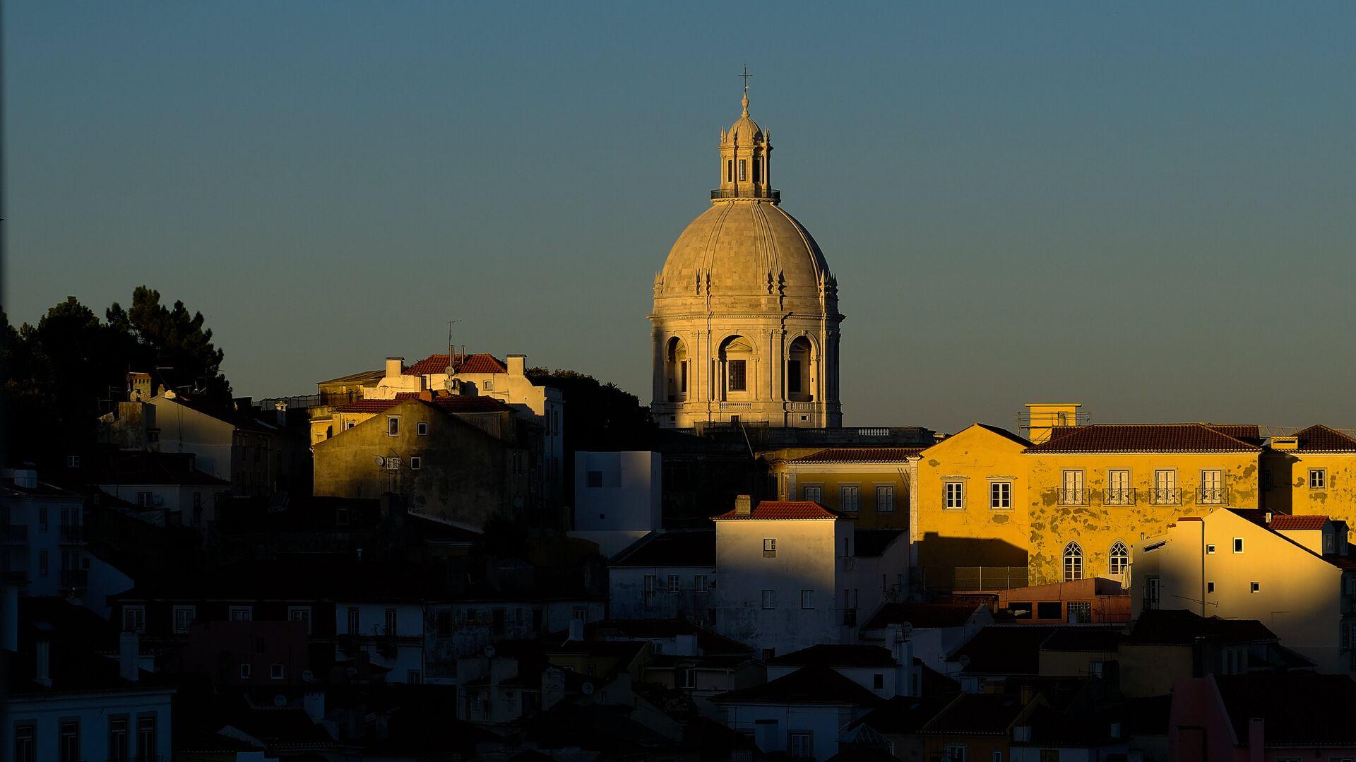 В Португалии ввели жесткий карантин