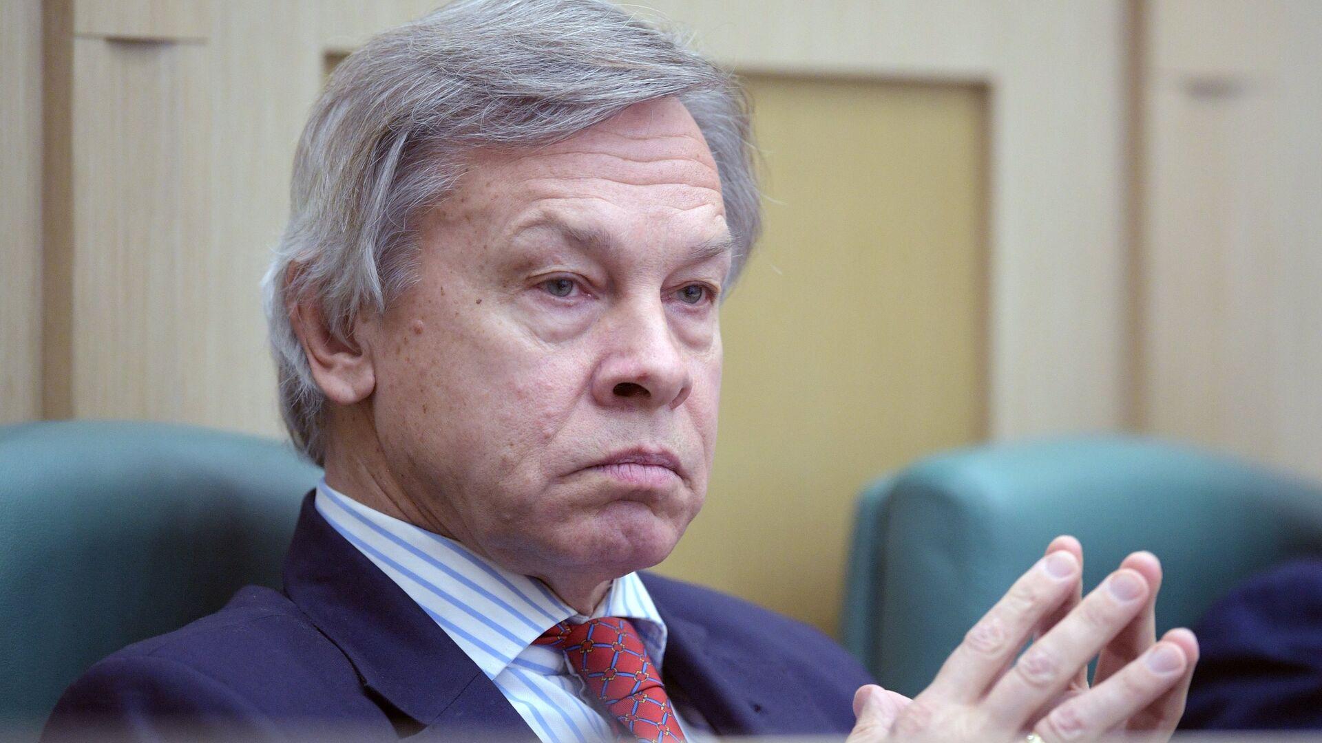 Член комитета Совета Федерации по обороне и безопасности Алексей Пушков - РИА Новости, 1920, 18.01.2021
