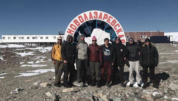 Российские полярники на станции Новолазаревская