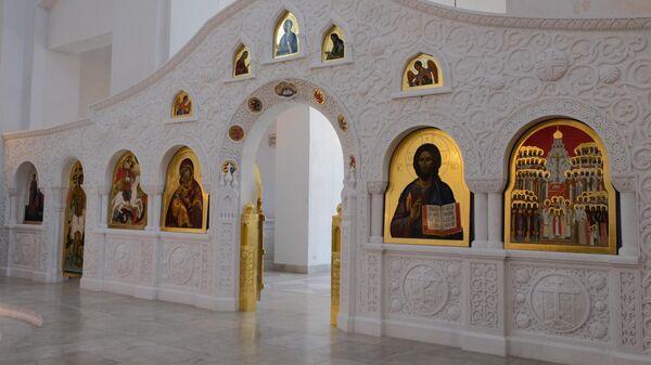 иконостас храма Новомучеников и исповедников Российских в Строгино