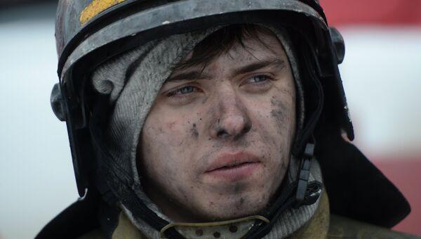 Сотрудник пожарной охраны МЧС. Архивное фото