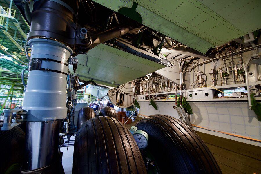 Опора шасси военно-транспортного самолета Ил-76МД-90А