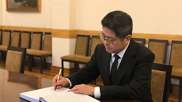 Заместитель министра иностранных дел КНР Лэ Юйчэн