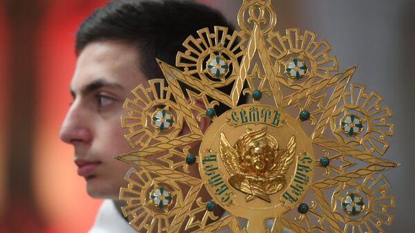 Во время службы Навечерие Пасхи в Римско-католическом кафедральном соборе Непорочного зачатия Пресвятой Девы Марии в Москве