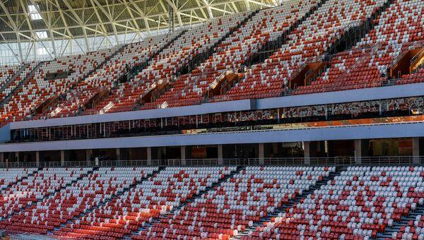 Трибуны на стадионе Мордовия Арена в Саранске