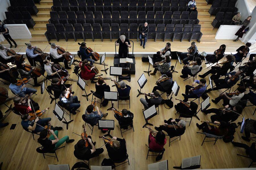 Репетиция оркестра в Новосибирском оперном театре