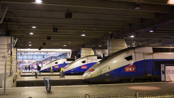 Поезда на вокзале Монпарнас в Париже. Архивное фото
