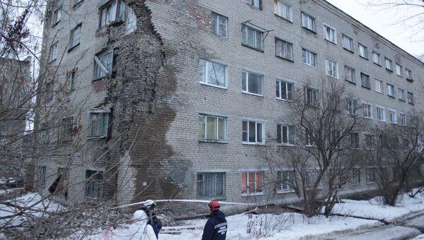Часть кирпичной кладки жилого дома обрушилась в Пензе