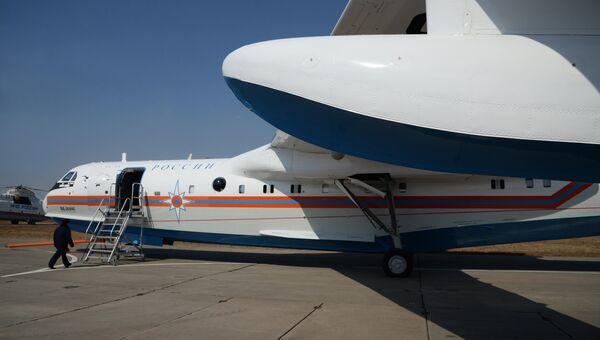 Самолет-амфибия Бе-200ЧС Хабаровского авиационно-спасательного центра МЧС. Архивное фото