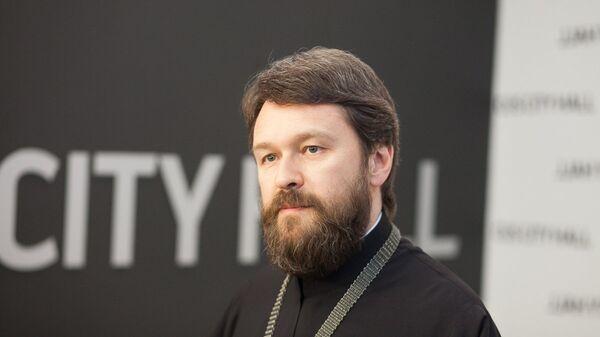 митрополит Иларион на пресс-подходе в Крокус Сити Холле