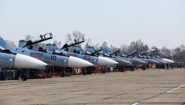 Многоцелевые истребители Су-30 и Су-35 на соревнованиях военных летчиков Авиадартс-2018