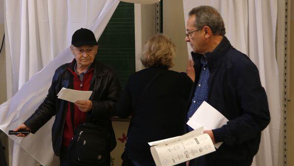 Голосование на избирательном участке в Будапеште. 8 апреля 2018