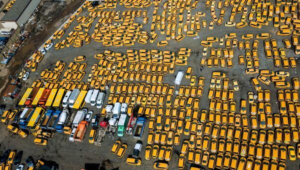 Стоянка автомобилей такси в Москве. Архивное фото