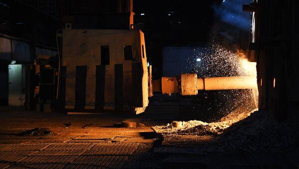 Мартеновский цех металлургического завода