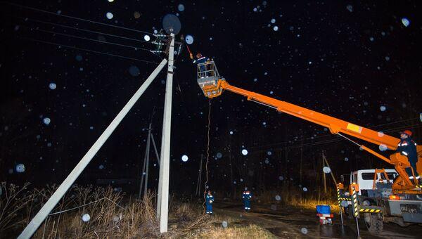 Устранение последствий сильного ветра в Подмосковье. 22 апреля 2018
