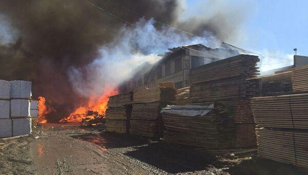 Пожар на лесоперерабатывающем предприятии в Кодинске, Кежемский район Красноярского края. 23 апреля 2018