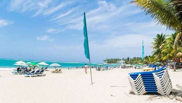 Пляж на побережье Коста-дель-Соль, Испания
