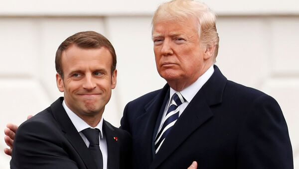 Президент Франции Эммануэль Макрон и президент США Дональд Трамп во время вечера в Белом доме, США. 24 апреля 2018