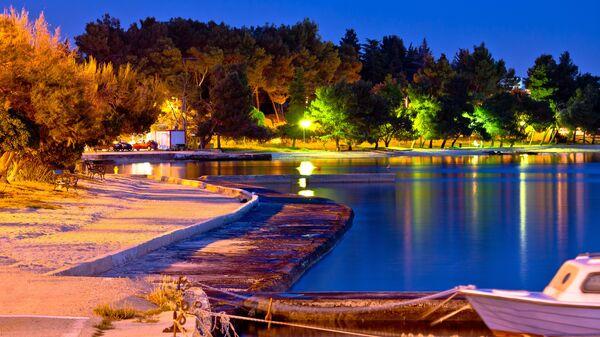 Пляж Дикло в городе Задар, Хорватия