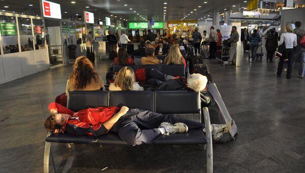 В зале ожидания терминала F аэропорта Шереметьево. Архивное фото