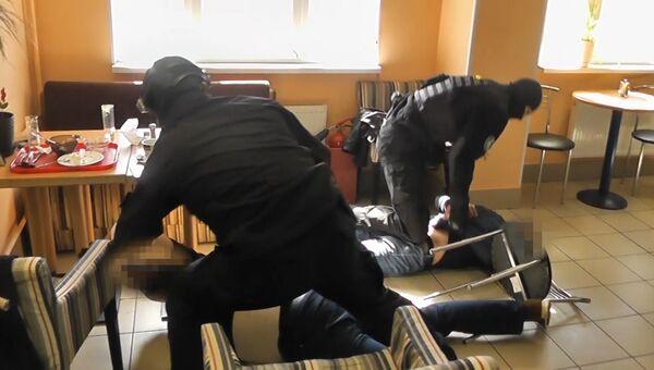Задержание подозреваемых в перевозке наркотиков из ЕС в Россию. Съемка ФСБ